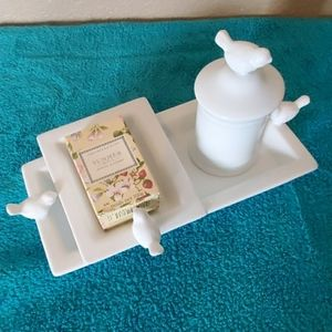 World Markets White Soap dish set  - Bird lid  -